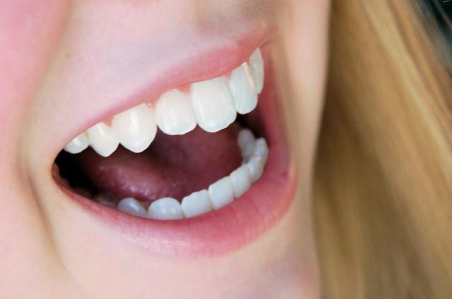 口や舌がピリピリ\u2026お口の中の痛み、原因と対処法は?
