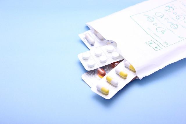 扁桃腺炎にかかったと感じたら、まずは内科もしくは耳鼻咽頭科を受診しましょう。治療の中心は抗生物質の内服がほとんどです。扁桃腺炎の原因となる菌はさまざまで特定