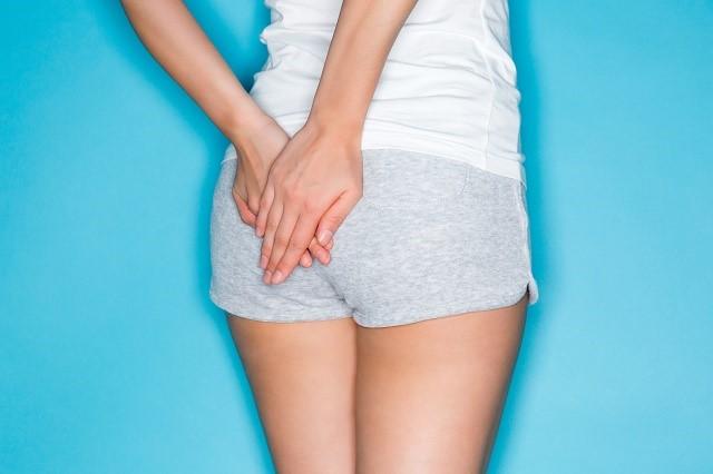 女性の臀部