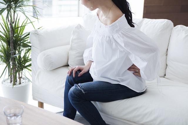 腰痛のある女性