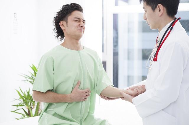 胃の不調を訴える患者
